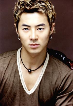 Junjin Shinhwa SHINHWA 's Biography...